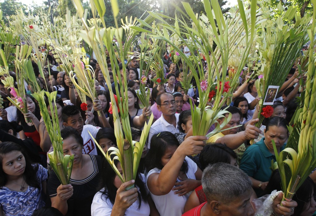 Filipino Catholics observe Palm Sunday